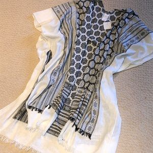 Nordstrom Free Press open woven poncho NEW